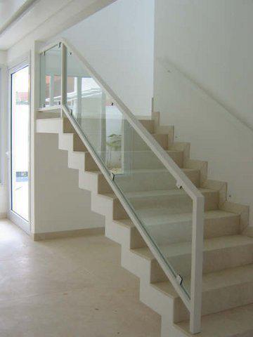 Escadas, Corrimão e Guarda - Corpo